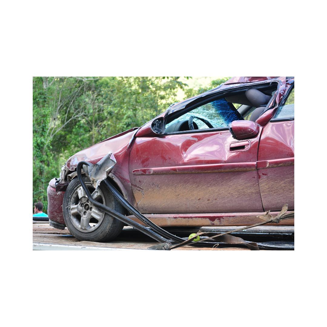 事故に遭った車